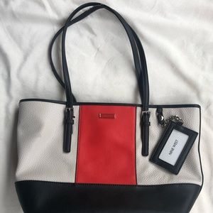 Nine West  323 Tote Bag